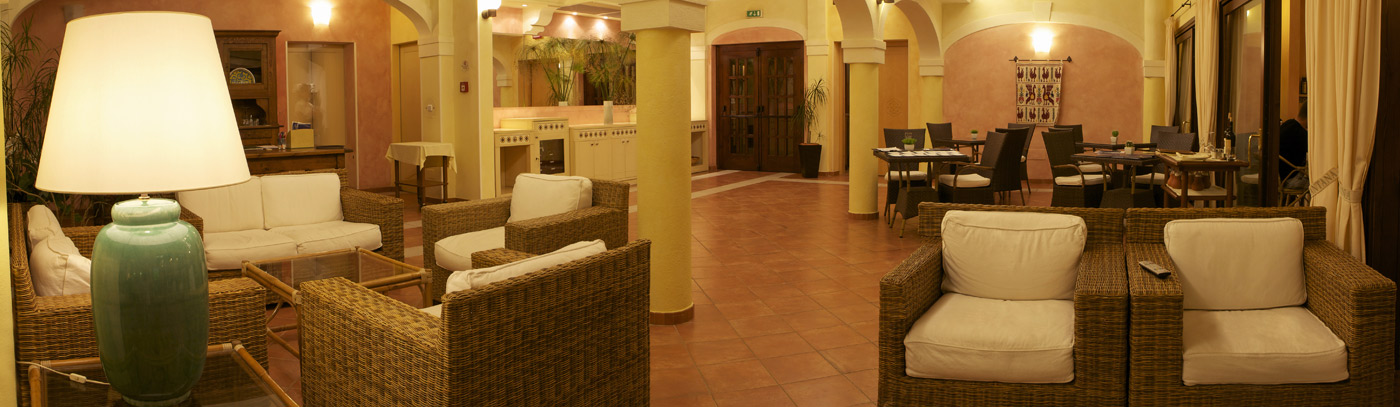 Lantana Resort, Hotel Pula – Cerdeña
